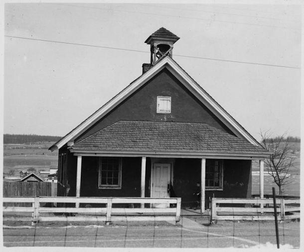 Amish schoolhouse, Lancaster, Pennsylvania.